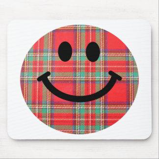 Smiley del escocés del tartán alfombrilla de ratón
