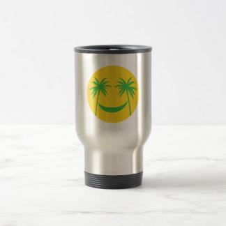 smiley del sol con las palmeras y la hamaca taza