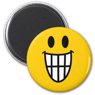 Smiley dentudo de la mueca imanes para frigoríficos