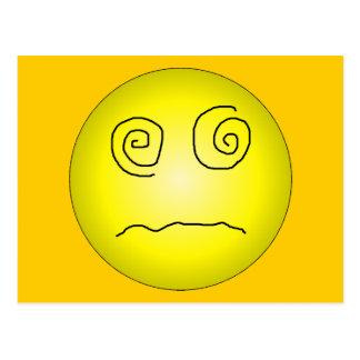Smiley deslumbrado y confundido del amarillo postal