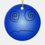 Smiley deslumbrado y confundido del azul ornamento de reyes magos