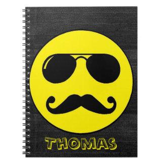 ¡Smiley duro del poli - personalizable! Spiral Notebooks