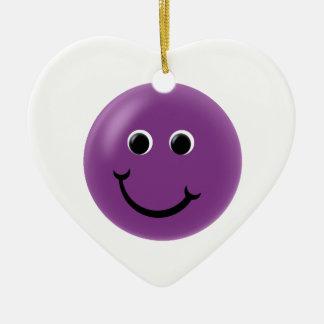 Smiley feliz púrpura adorno navideño de cerámica en forma de corazón