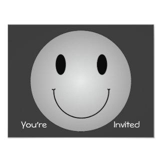 """Smiley gris invitación 4.25"""" x 5.5"""""""