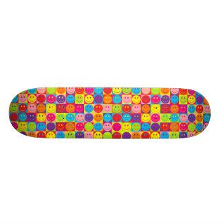 """Smiley multicolores del estallido patineta 7 1/8"""""""