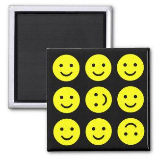 Smiley que caen - en negro imán cuadrado