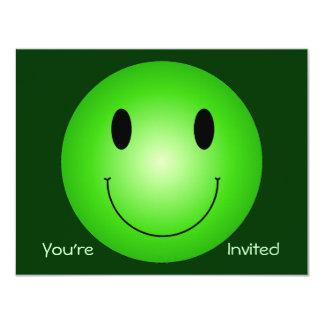 """Smiley verde invitación 4.25"""" x 5.5"""""""