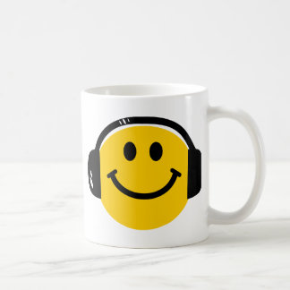 Smiley with headphones coffee mug