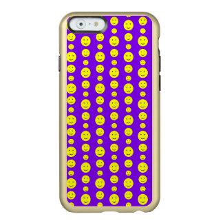 Smilies amarillo en púrpura funda para iPhone 6 plus incipio feather shine