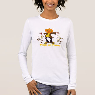 Smiling and dancing Halloween Scarecrow Long Sleeve T-Shirt