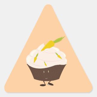 Smiling carrot cake cupcake triangle sticker