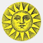 Smiling sun pegatina redonda
