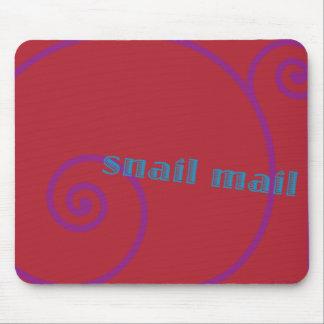 Snail mail de la fresa alfombrillas de raton