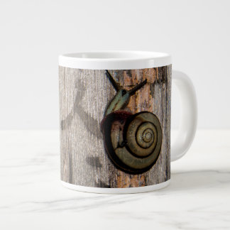 Snail mail Escargot en caligrafía asiática Taza Grande