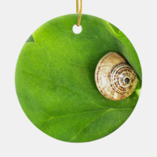 snail Double-Sided ceramic round christmas ornament