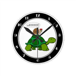 Snail & Turtle - Turbo Duo Round Clock