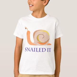Snailed él playera