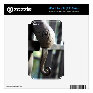 Snake Gate iPod Touch 4G Skins