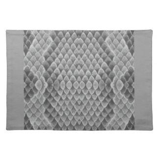 Snakeskin gris mantel