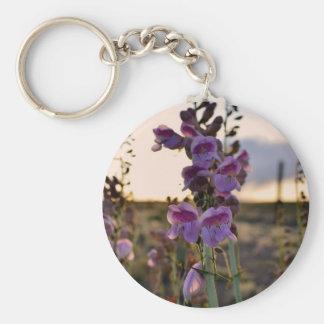 Snapdragons púrpura salvaje llaveros personalizados
