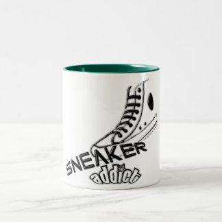 Sneaker addict Mug