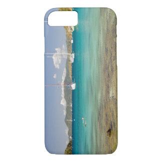 Snorkelers en la ensenada idílica de la ensenada funda iPhone 7