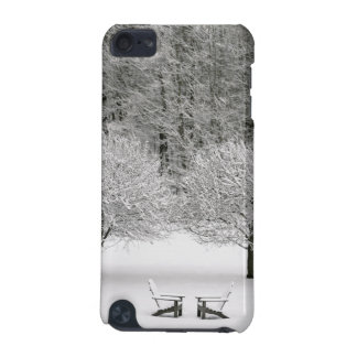 Snow covered landscape iPod touch (5th generation) case