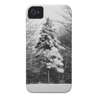 Snow on christmas tree iPhone 4 case