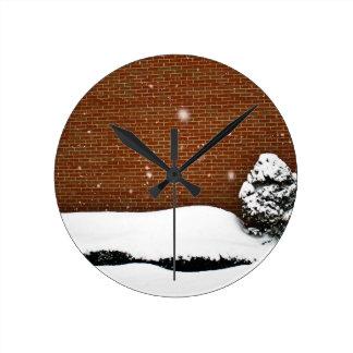 Snow wall round clock