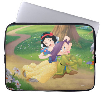 Snow White And Dopey Laptop Sleeve