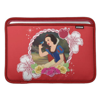 Snow White - Kind to all Big and Small MacBook Air Sleeve