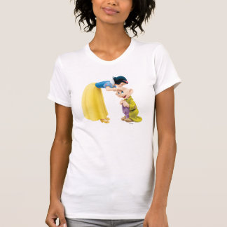 Snow White Kissing Dopey on the Head T-shirts