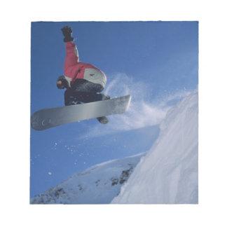 Snowboard en el centro turístico del Snowbird, Uta Blocs De Notas