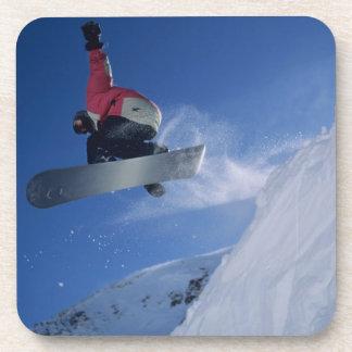 Snowboard en el centro turístico del Snowbird, Uta Posavaso