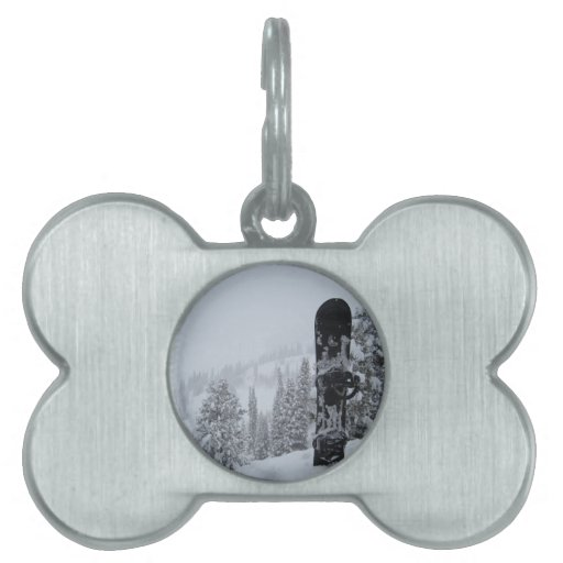Snowboard In Snow Pet Name Tags