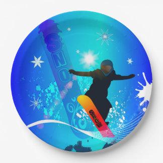 Snowboard, snowboarder con el tablero en backg plato de papel de 9 pulgadas