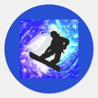 Snowboarder en la desorientación pegatina redonda