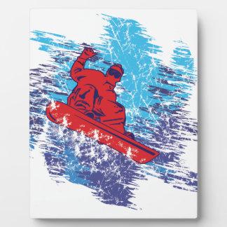 Snowboarder fresco placa para mostrar