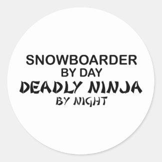 Snowboarder Ninja mortal por noche Pegatina Redonda