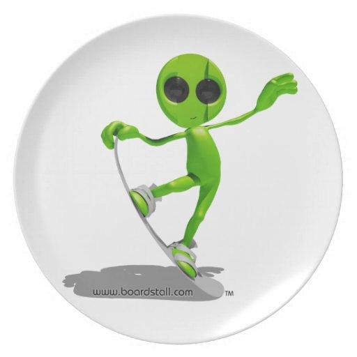 Snowboarding Green Alien Saucer Plates