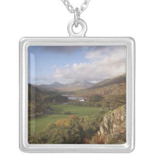 Snowdon del capelo Curig, Gwynedd, País de Gales Colgante Cuadrado
