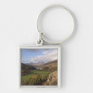 Snowdon del capelo Curig, Gwynedd, País de Gales ( Llavero Cuadrado Plateado