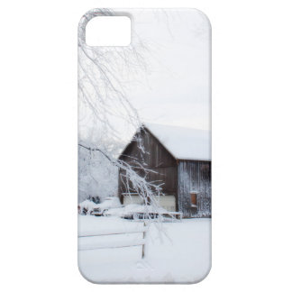 Snowed in Christmas Barn iPhone SE/5/5s Case