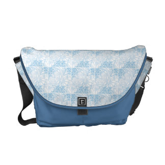 Snowflakes Fall Courier Bag