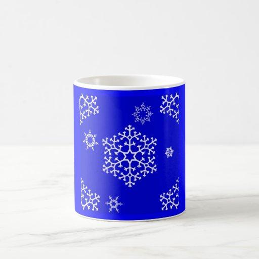 snowflakes_on_blue taza