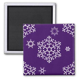snowflakes_on_dark_purple imán cuadrado