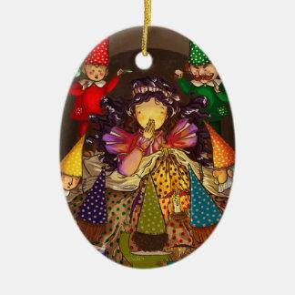 Snowhite y los enanos de la separación adorno navideño ovalado de cerámica