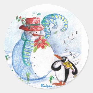 SNOWMAN AND PENGUIN'S WINTER SERENADE CLASSIC ROUND STICKER