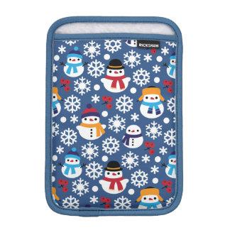 Snowmans & Snowflakes Seamless Pattern iPad Mini Sleeve