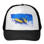 Snowmobile amarillo en ventisca gorras de camionero